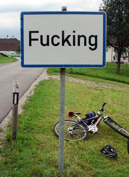 La famosa señal del pueblo de Fucking (Austria)